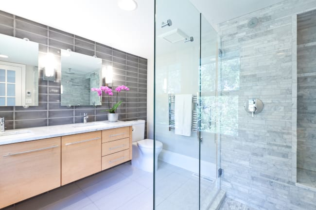 How Bathroom Fixtures Influence a Room's Design