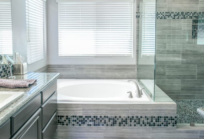 Top Bathroom Accessories for Home Remodels