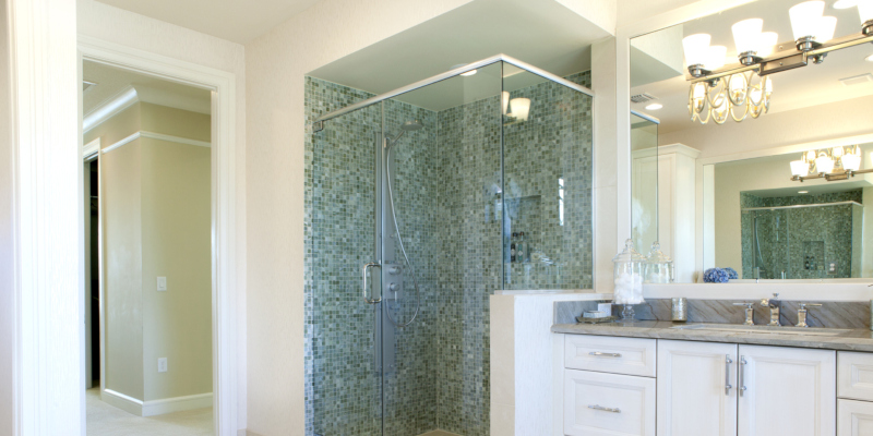 Choosing the right shower doors for a remodeled bathroom